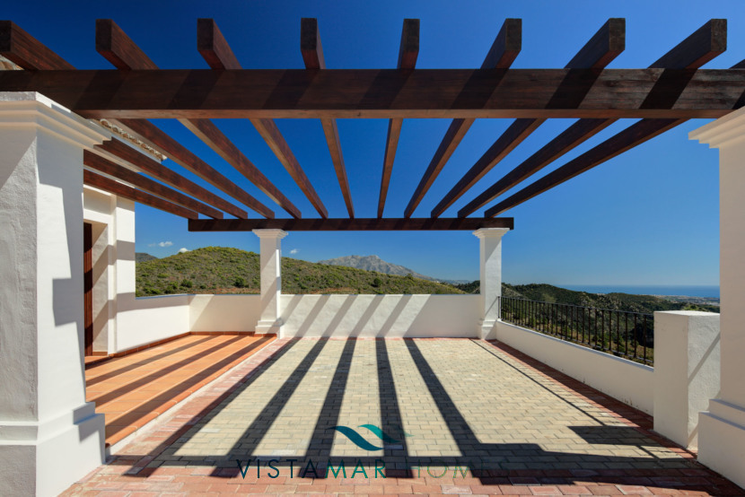 Large Terraces with Sea and Mountain Views · VMV010 Exclusive Residential Homes in Benahavis