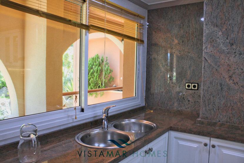 Kitchen with granite counters - VMA011 Magna Marbella apartment