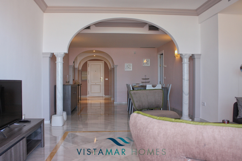 Lounge, dinning room and entrance hall - VMA011 Magna Marbella apartment