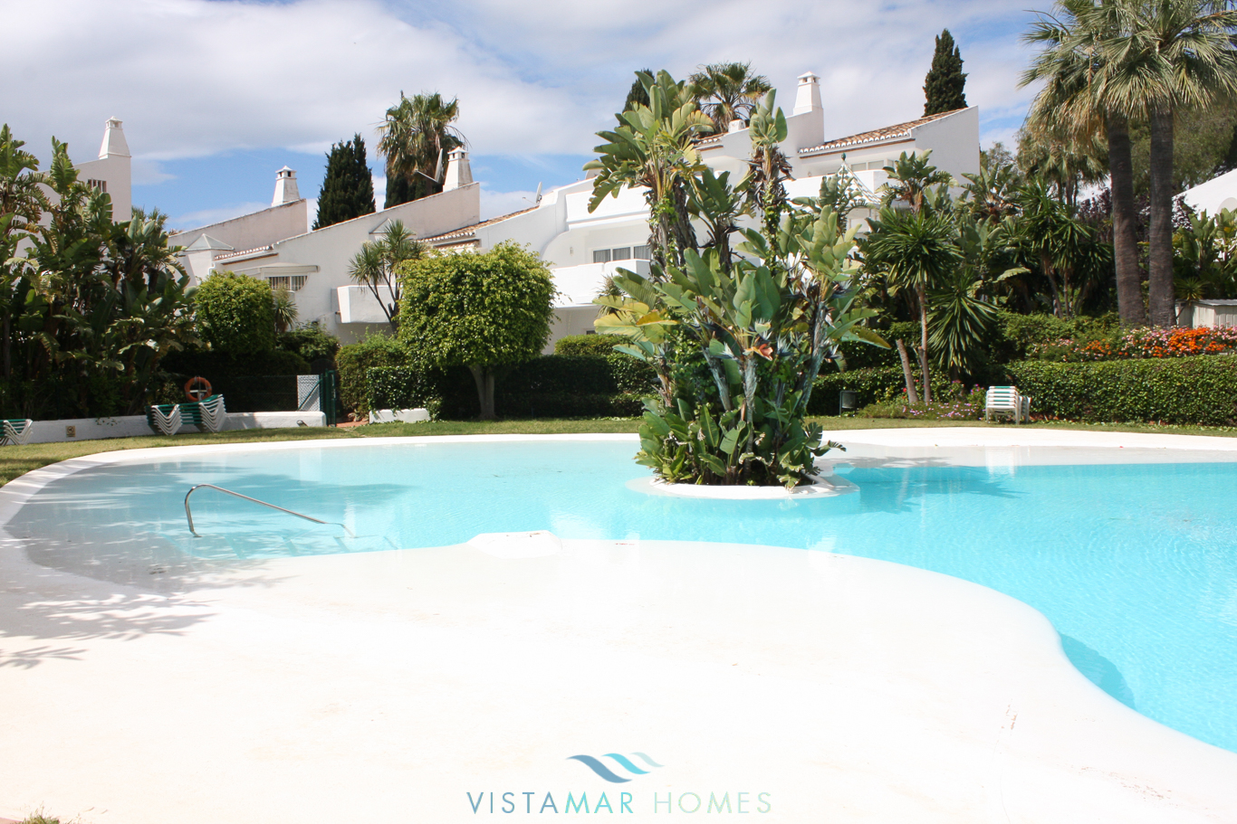 VMTH006-Townhouse-for-sale-camojan-blanco-marbella-3