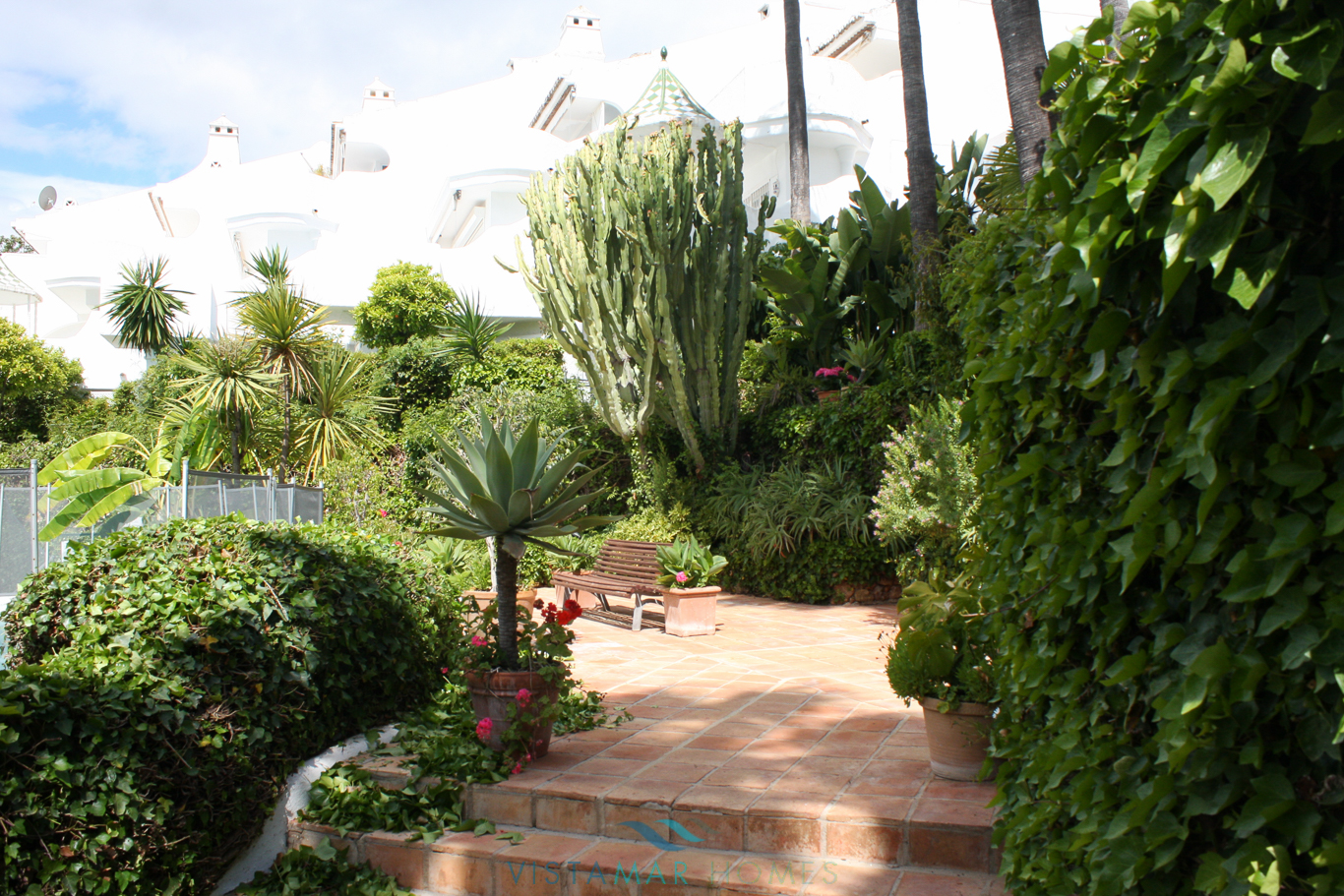 VMTH006-Townhouse-for-sale-camojan-blanco-marbella-8
