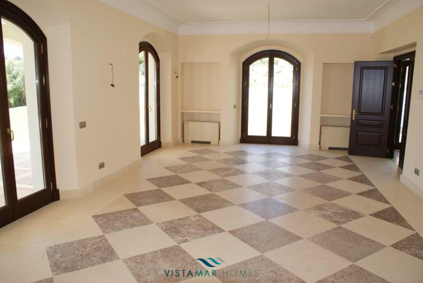 VMV035-Villa-For-Sale-Sotogrande-24