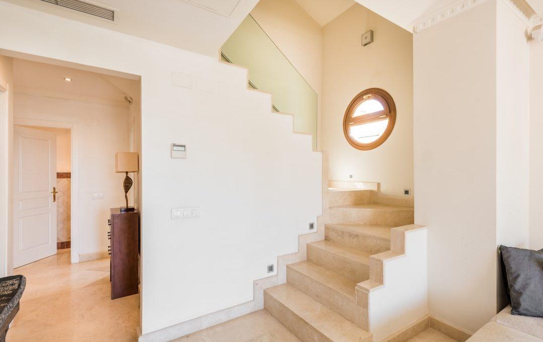 duplex-contemporary-penthouse-in-nagueles-marbella-golden-mile-2