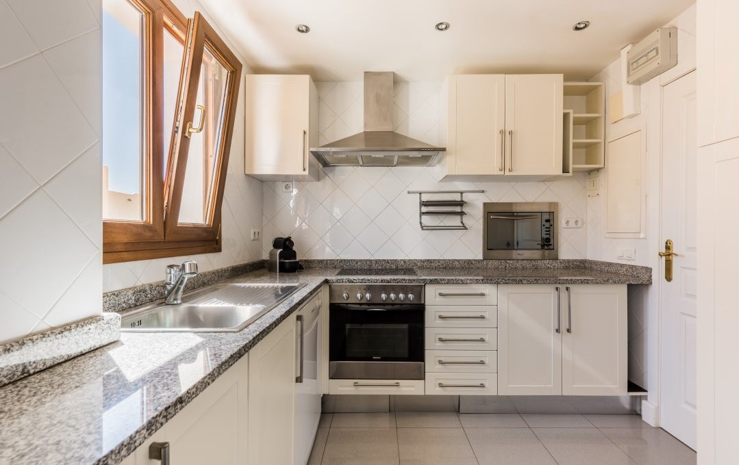 duplex-contemporary-penthouse-in-nagueles-marbella-golden-mile-7