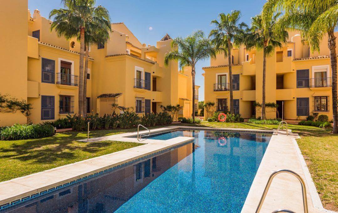 duplex-contemporary-penthouse-in-nagueles-marbella-golden-mile-single home nagueles-14 (custom)