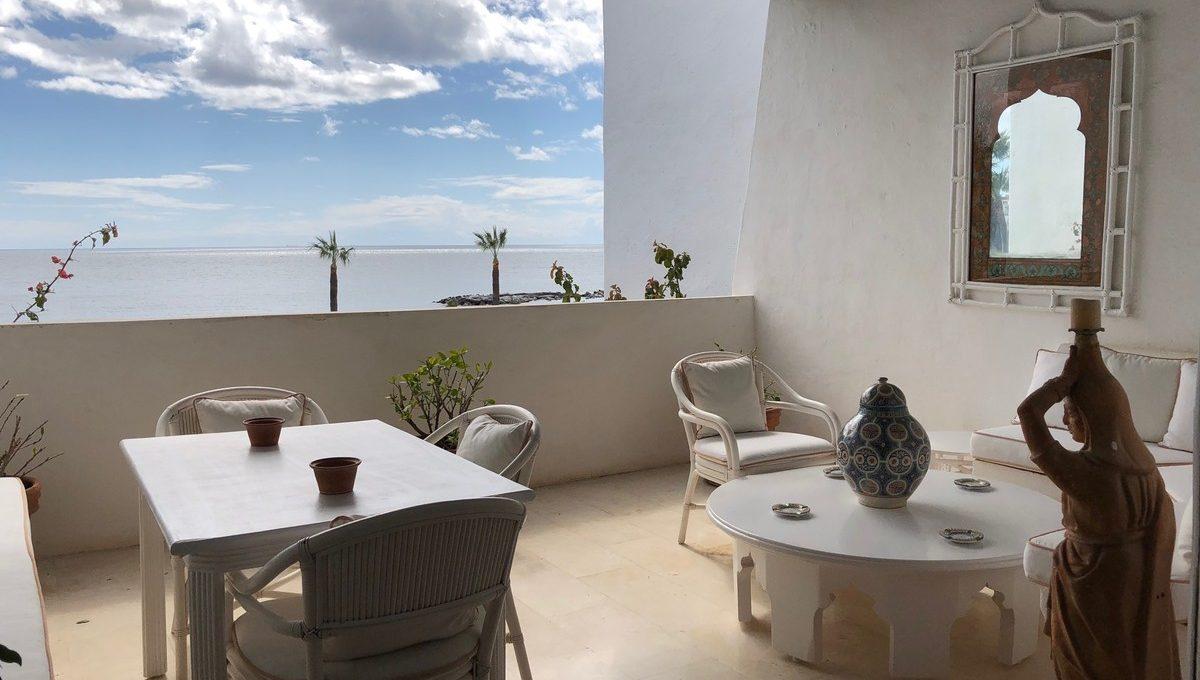 front-line-beach-penthouse-in-playas-del-duque-puerto-banus-19-d0ed7da2012a09046d307c195d98e7d6