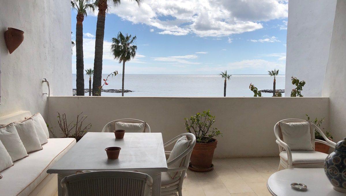 front-line-beach-penthouse-in-playas-del-duque-puerto-banus-21-2c707e7c511429b4f8ec4ee5f221ddb6