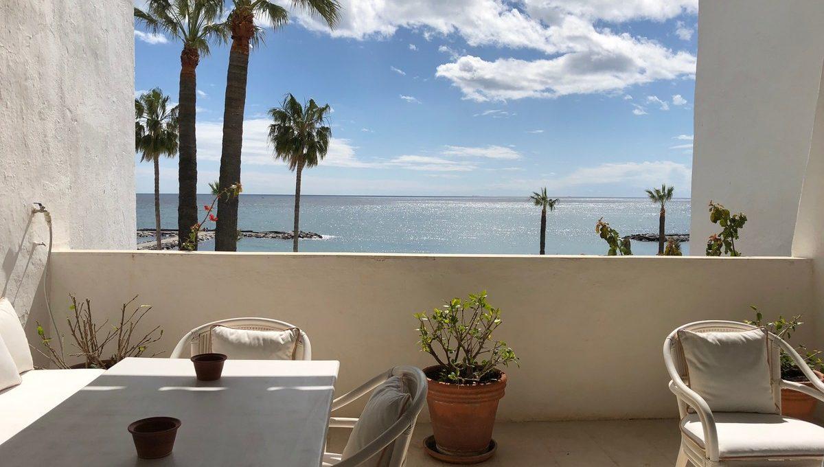 front-line-beach-penthouse-in-playas-del-duque-puerto-banus-3-e898b2bb2a2fdfd06d2c39894dce8316
