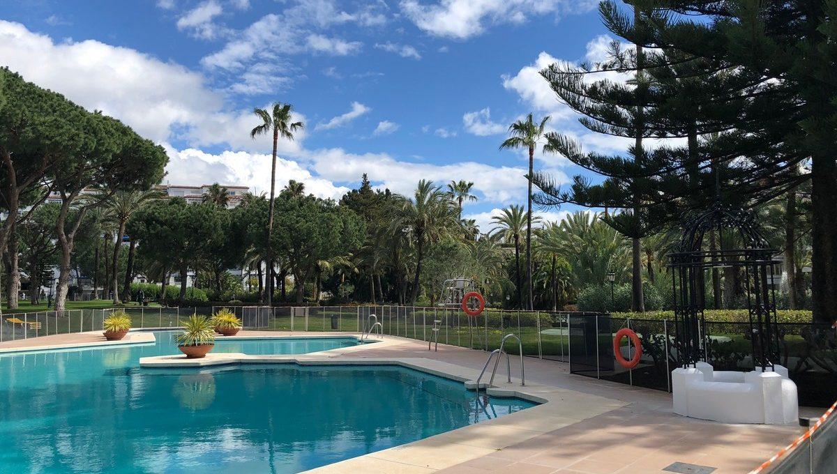 front-line-beach-penthouse-in-playas-del-duque-puerto-banus-32-e7f90ea5feef5e01d64d74d6b6d8a834