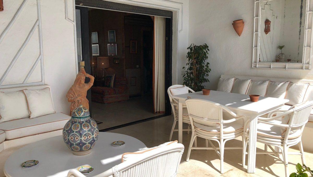 front-line-beach-penthouse-in-playas-del-duque-puerto-banus-4-c23c0f86247804fa50226aecd8b0b2c8