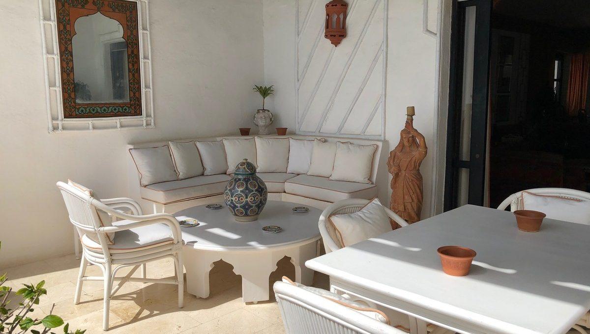 front-line-beach-penthouse-in-playas-del-duque-puerto-banus-5-3595ad71cbd87be6c3643a4285ef4791