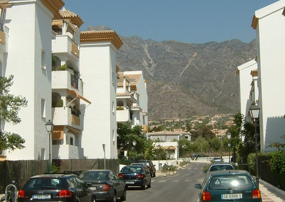 lovely-apartment-with-open-sea-views-in-nagueles-13-5fd73dea700db77384c091ca9818b1a9
