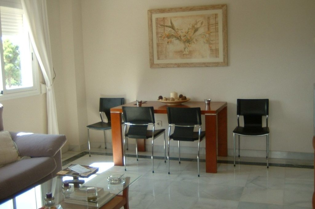 lovely-apartment-with-open-sea-views-in-nagueles-5-3595ad71cbd87be6c3643a4285ef4791