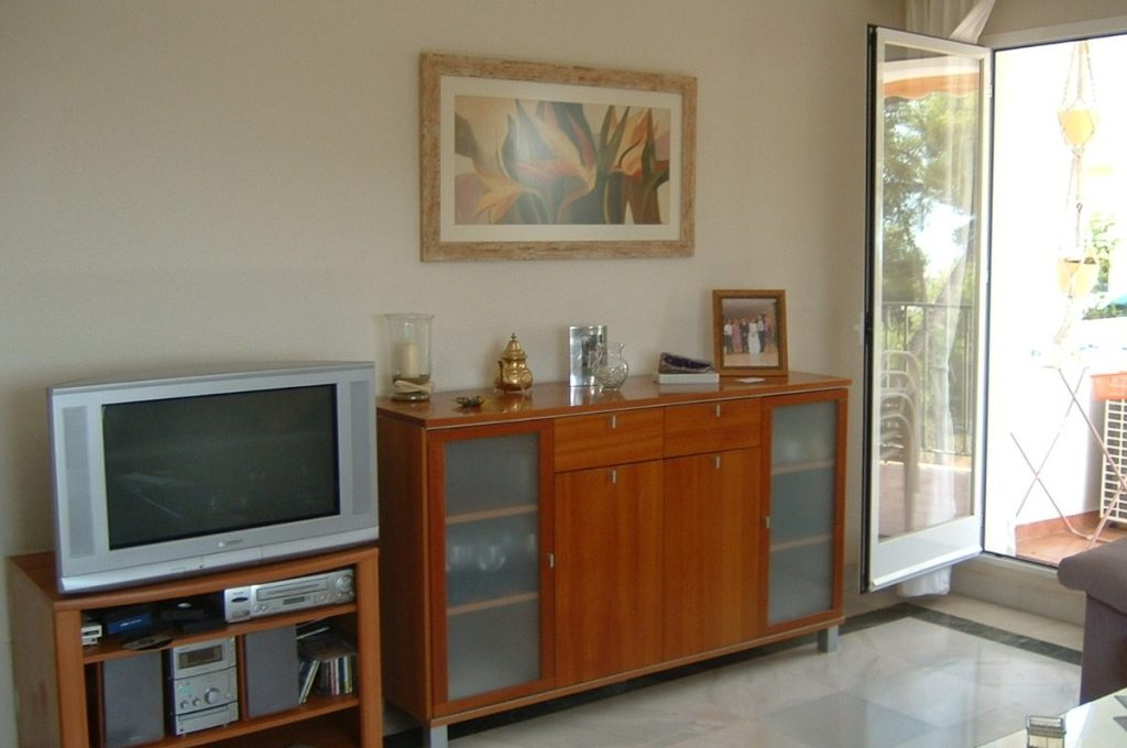 lovely-apartment-with-open-sea-views-in-nagueles-6-241328e1bcc9c0d8ce1222beb6c967a8