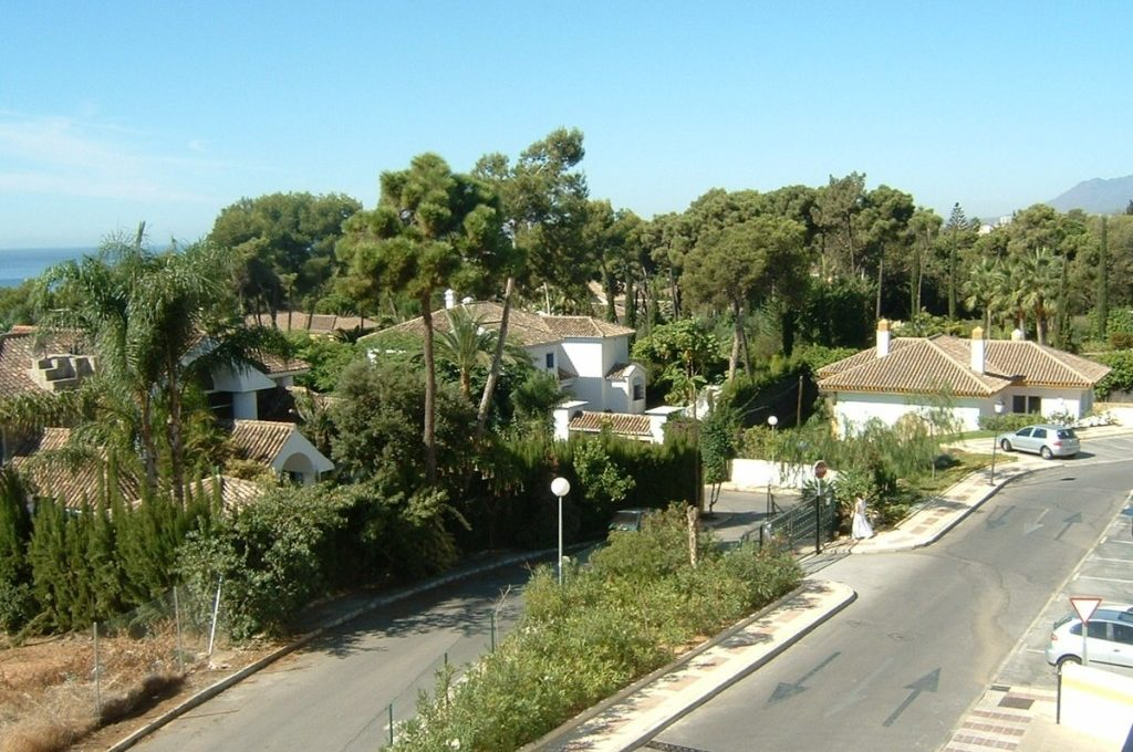 lovely-apartment-with-open-sea-views-in-nagueles-9-467d0cee5b725f3ef65f102a0c2e69c0