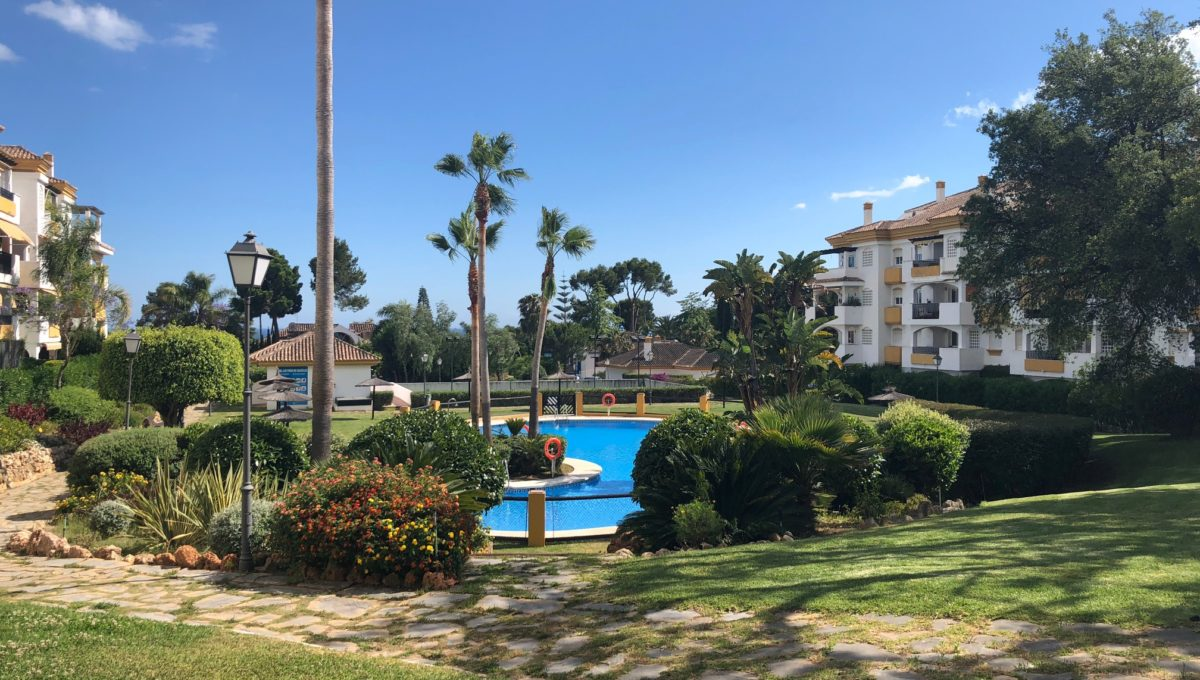 lovely-apartment-with-open-sea-views-in-nagueles-img_8974