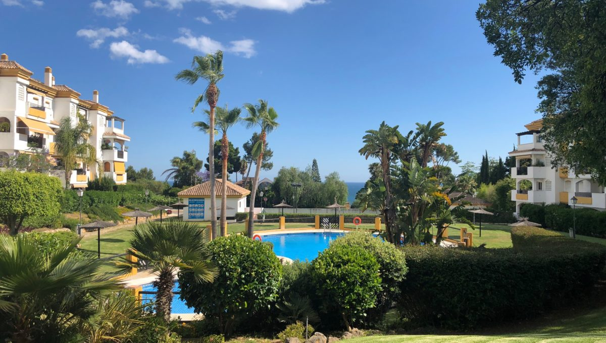 lovely-apartment-with-open-sea-views-in-nagueles-img_8975