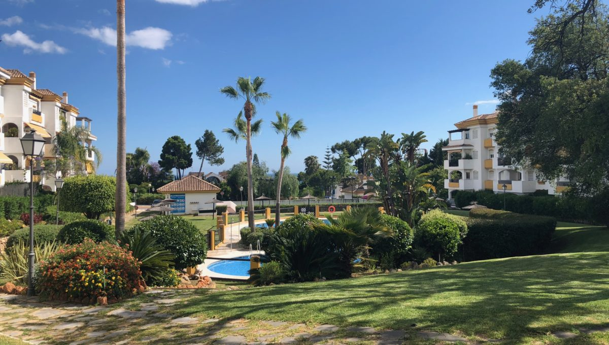lovely-apartment-with-open-sea-views-in-nagueles-img_8978