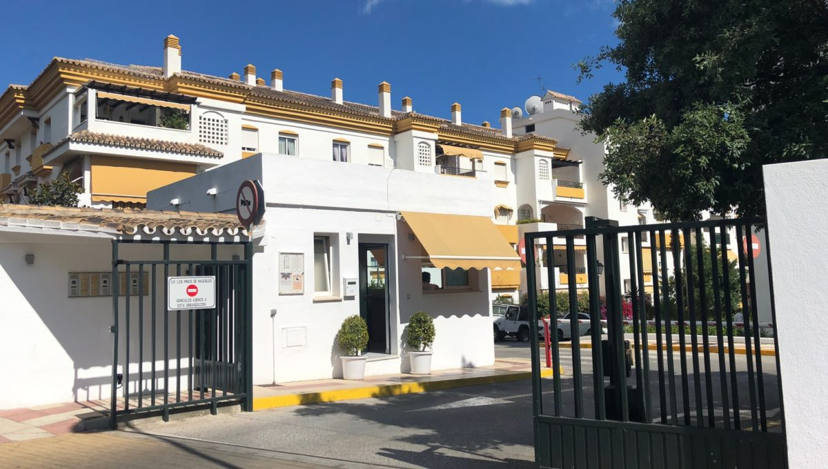 lovely-apartment-with-open-sea-views-in-nagueles-img_8980