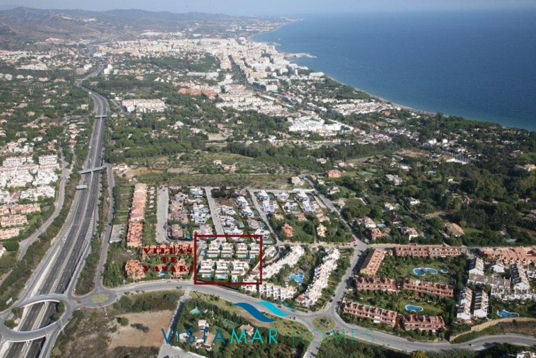project-villas-in-altos-de-puente-romano-golden-mile-area-localización