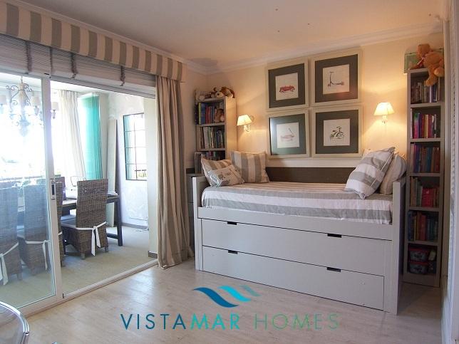 beautiful-beachside-apartment-in-bahia-de-marbella-img_3874