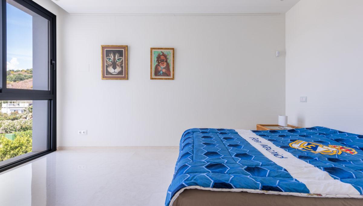 marbella-nueva-andalucia-los-olivos-extraordinary-villa-for-sale-24