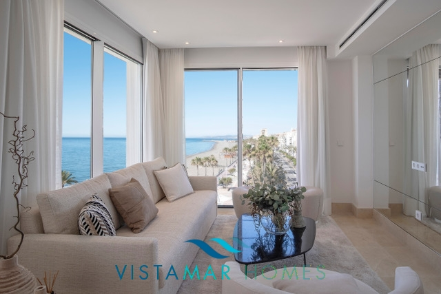 Front line penthouse in  Estepona