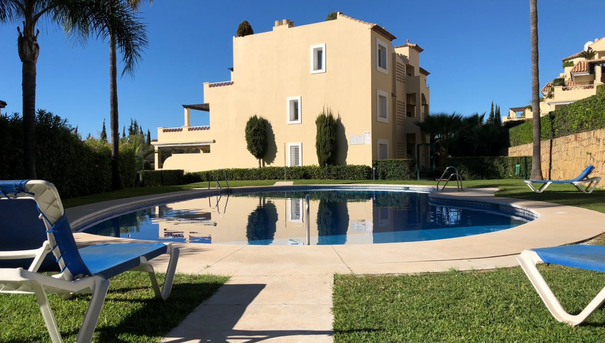 nagueles-south-facing-large-ground-floor-apartment-for-sale-img_5135