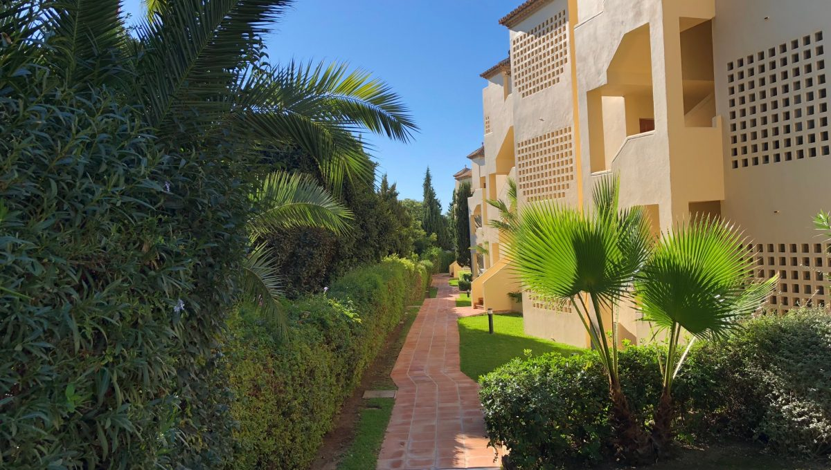 nagueles-south-facing-large-ground-floor-apartment-for-sale-img_5143