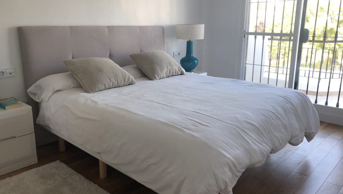refurbished-to-high-standards-3bedroom-town-house-in-nueva-andalucia-marbella-img_1648