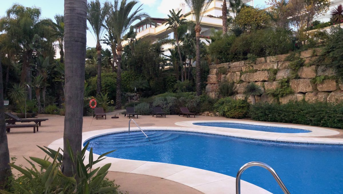 large-cosy-garden-apartment-in-nagueles-golden-mile-marbella-img_2110