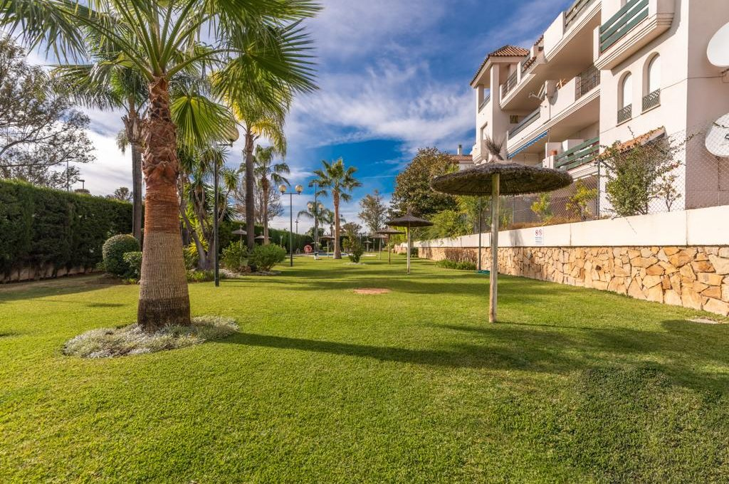 refurbished-south-facing-middle-floor-apartment-at-walking-distance-from-puerto-banus-photo-2019-11-22-09-43-22-2