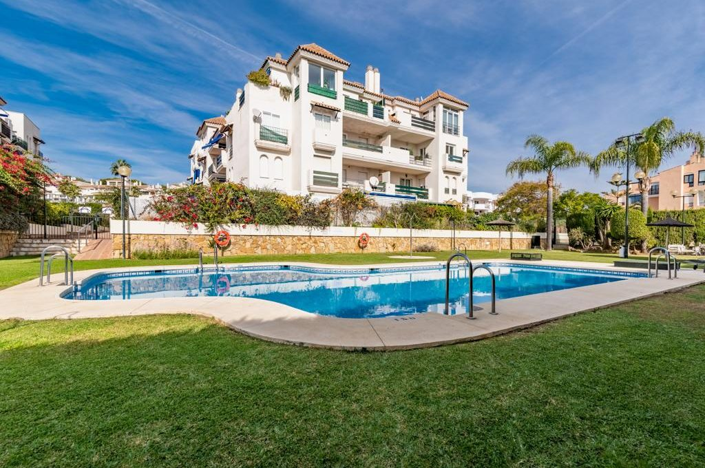 refurbished-south-facing-middle-floor-apartment-at-walking-distance-from-puerto-banus-photo-2019-11-22-09-43-23