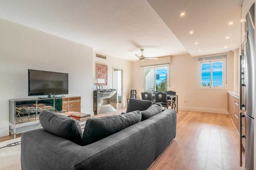 refurbished-south-facing-middle-floor-apartment-at-walking-distance-from-puerto-banus-photo-2019-11-22-09-43-27