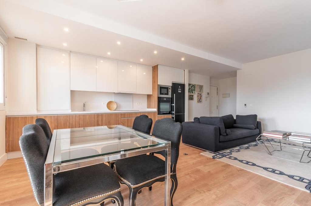 refurbished-south-facing-middle-floor-apartment-at-walking-distance-from-puerto-banus-photo-2019-11-22-09-43-27-2