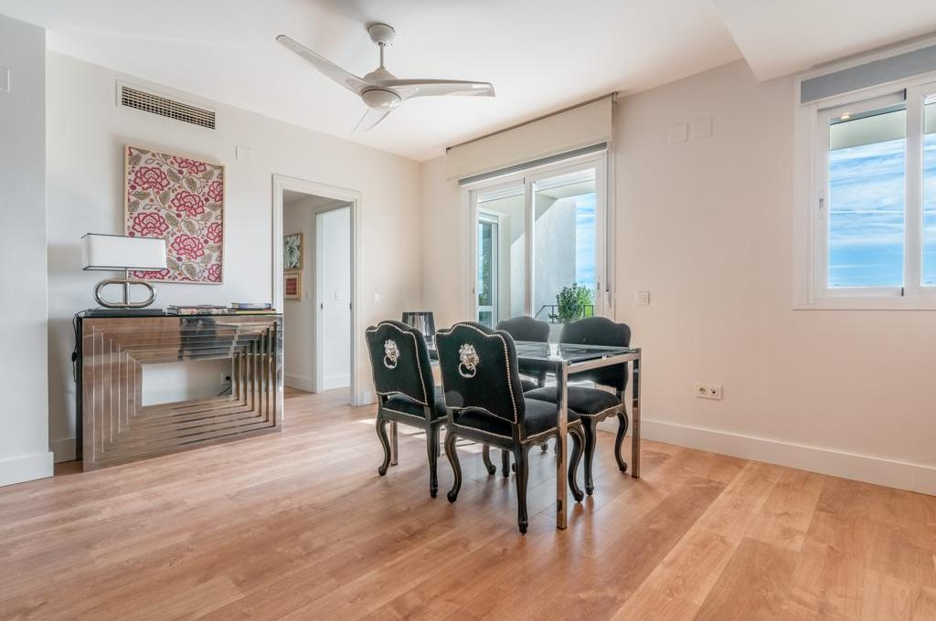 refurbished-south-facing-middle-floor-apartment-at-walking-distance-from-puerto-banus-photo-2019-11-22-09-43-28