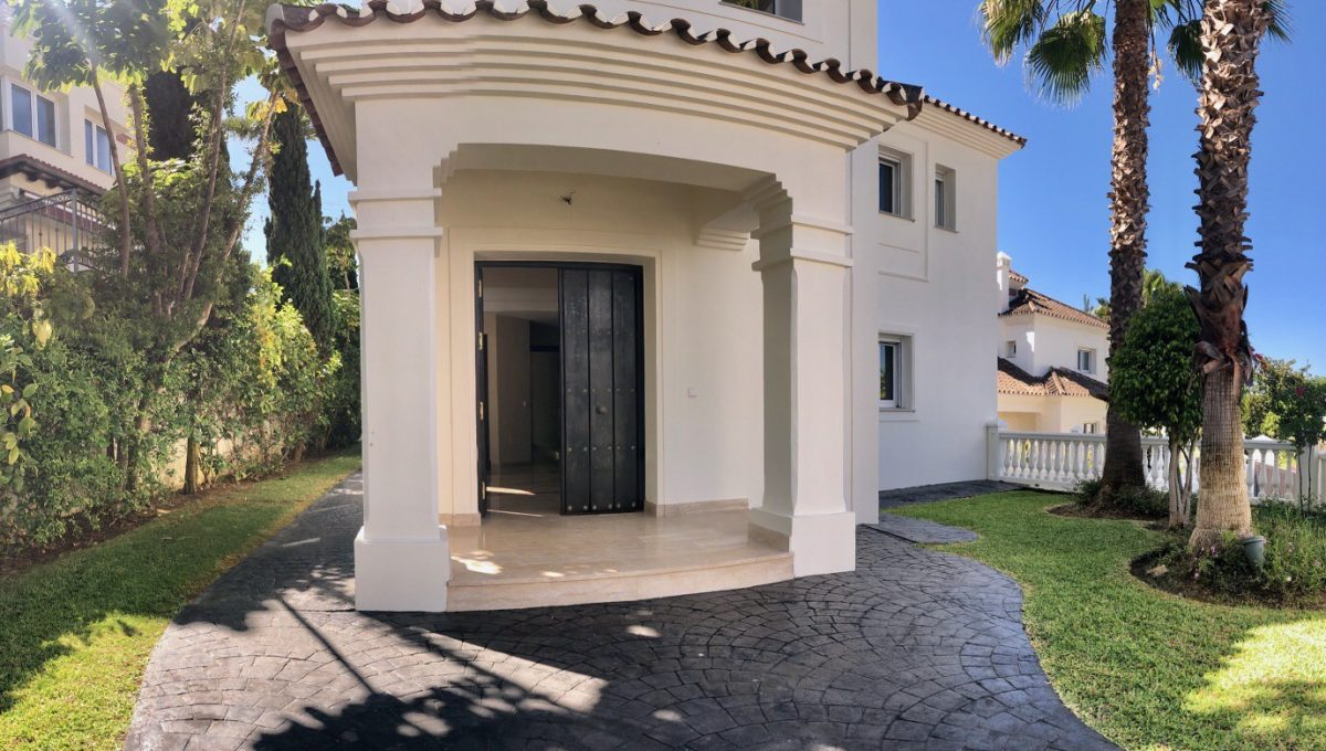 brand-new-modern-villa-on-guadalminas-golf-course-2019_06_18_11_28_35_177