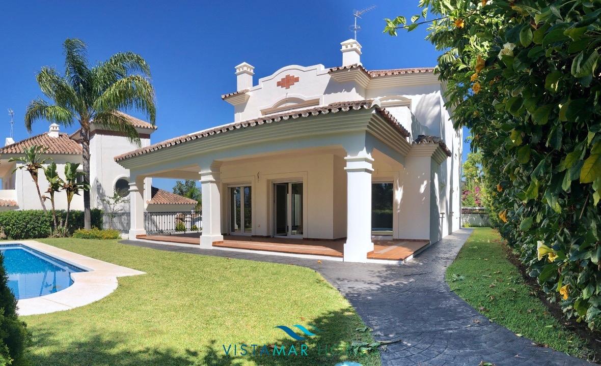 Brand new modern villa on Guadalmina's golf course.