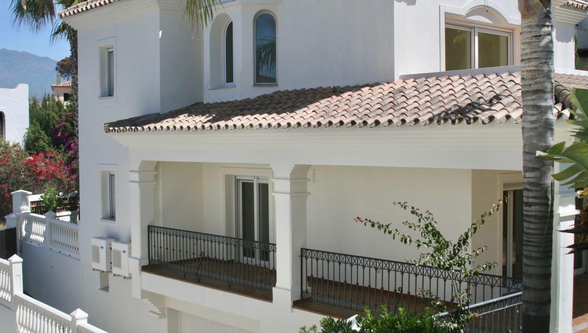 brand-new-modern-villa-on-guadalminas-golf-course-img_9952