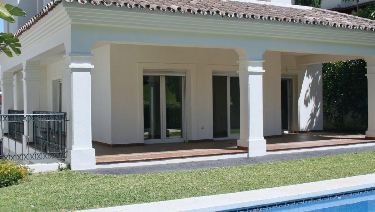 brand-new-modern-villa-on-guadalminas-golf-course-img_9990