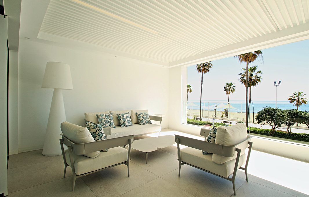 first-line-beach-contemporary-apartments-in-estepona-darya_barray_008-1