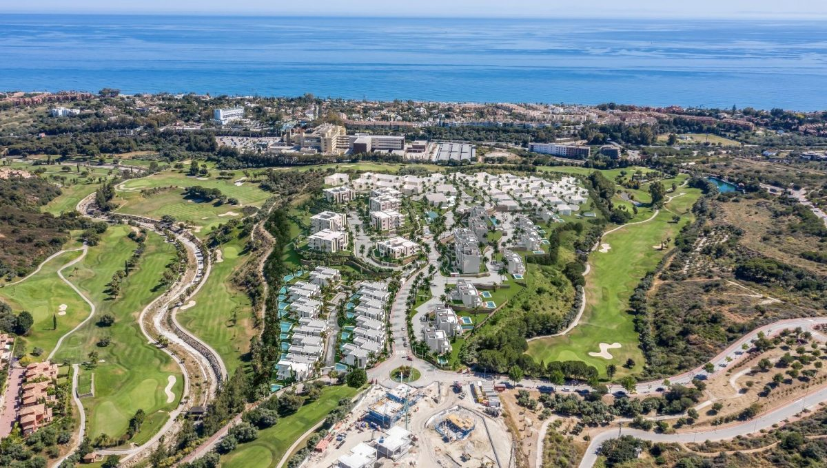 santa-clara-marbella-contemporary-exclusive-villas-penthouses-and-apartments-aedas-santa-clara-masterplan-aerea01