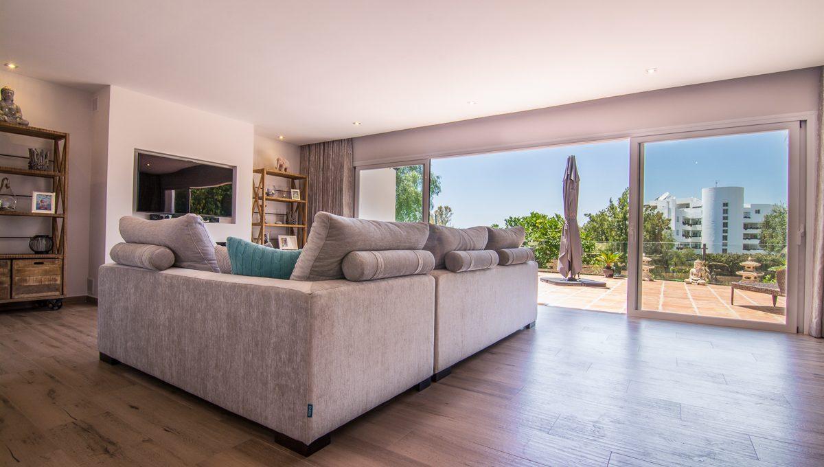 contemporary-first-line-golf-villa-in-guadalmina-alta-dsc_0360-edit-1