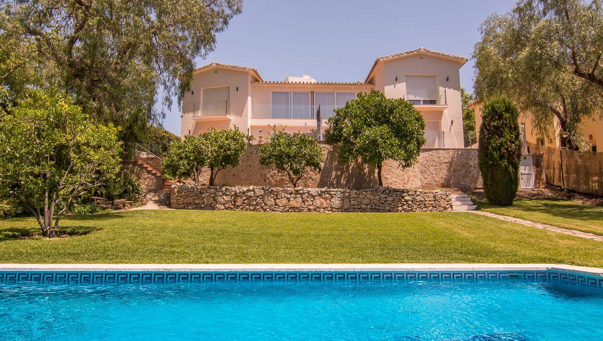 contemporary-first-line-golf-villa-in-guadalmina-alta-dsc_0385-1