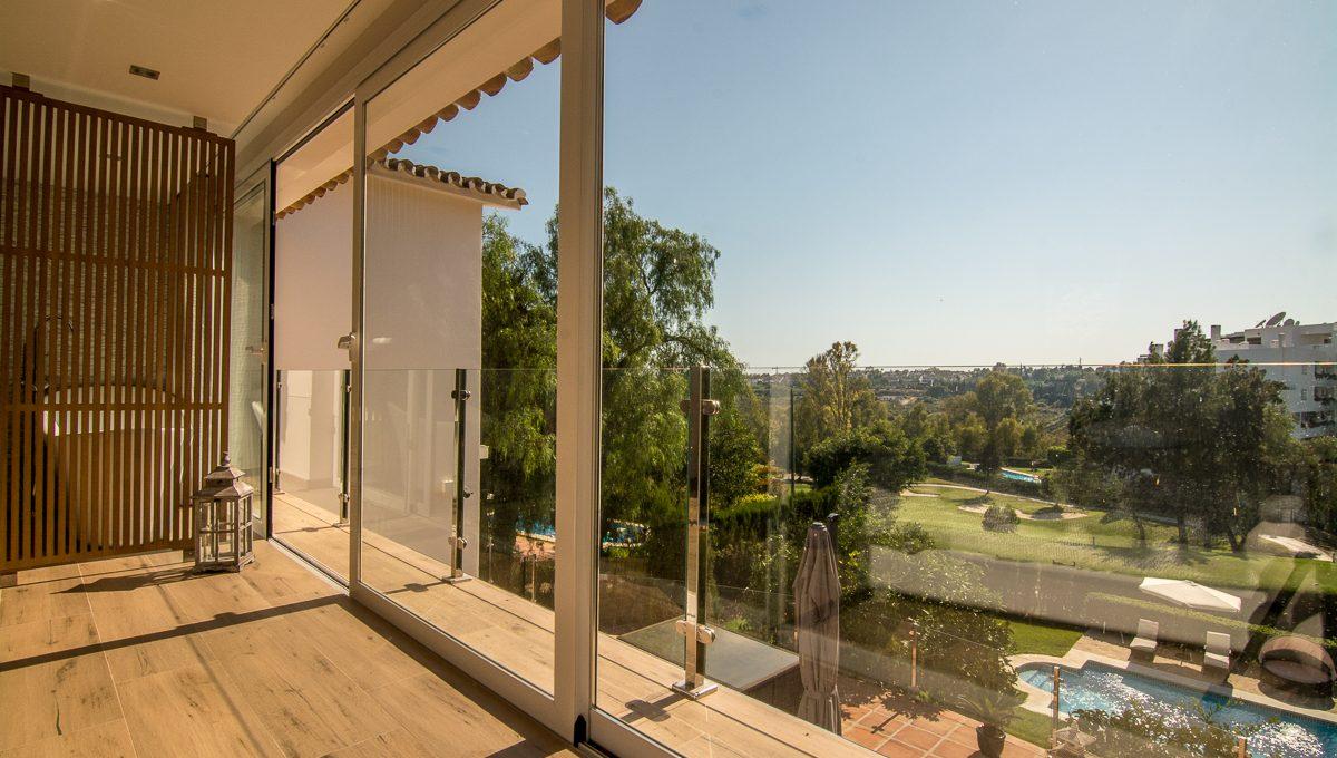 contemporary-first-line-golf-villa-in-guadalmina-alta-dsc_0573