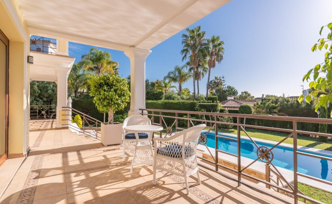 luxury-villa-in-hacienda-las-chapas-marbella-10