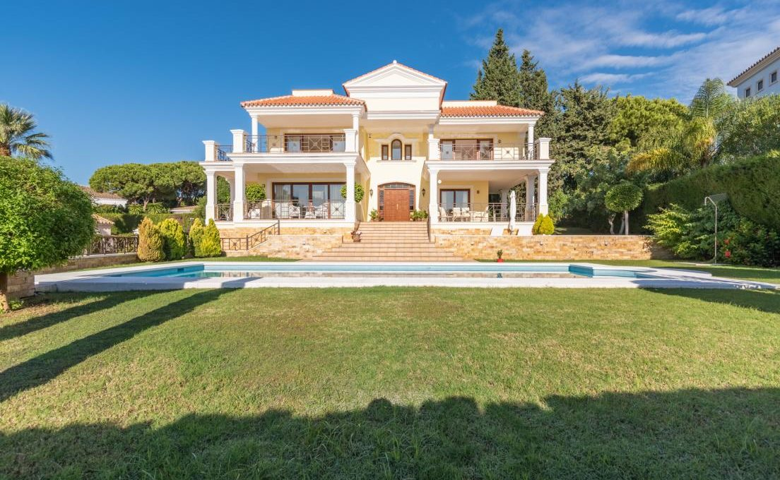 luxury-villa-in-hacienda-las-chapas-marbella-15
