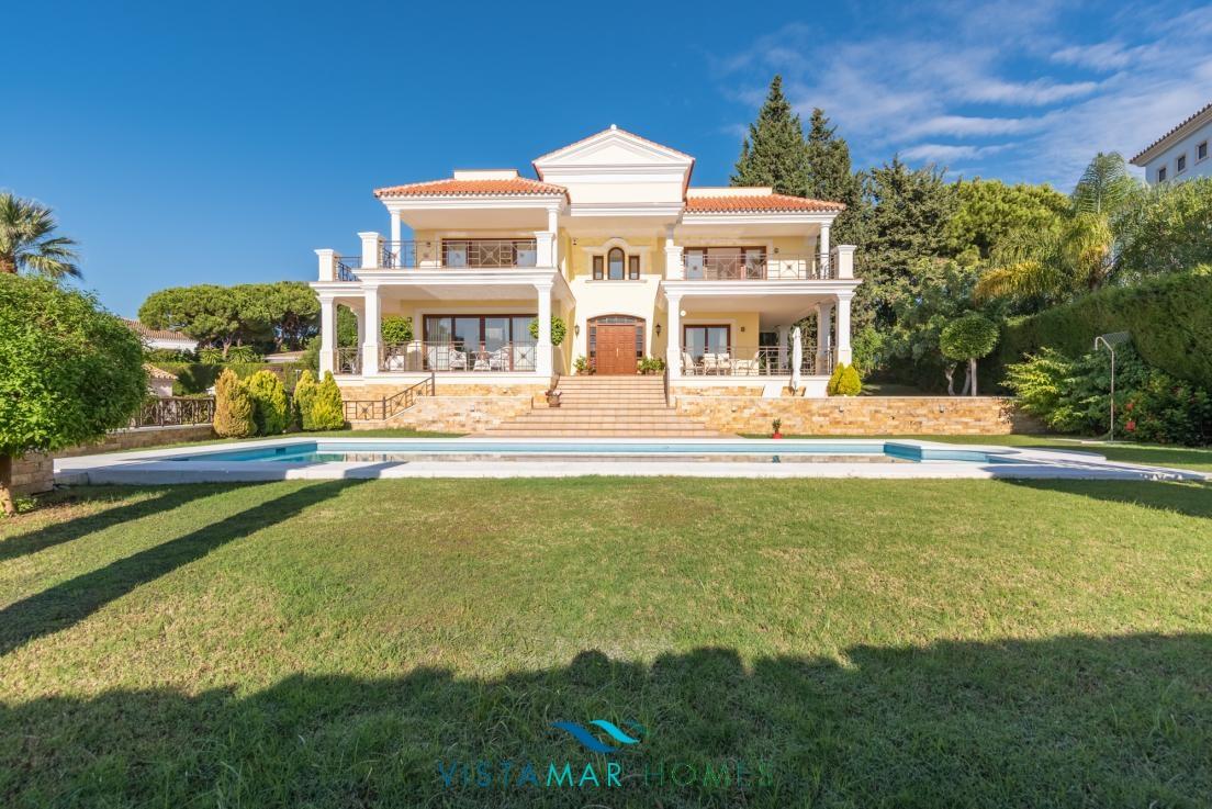 Luxury villa in Hacienda Las Chapas Marbella