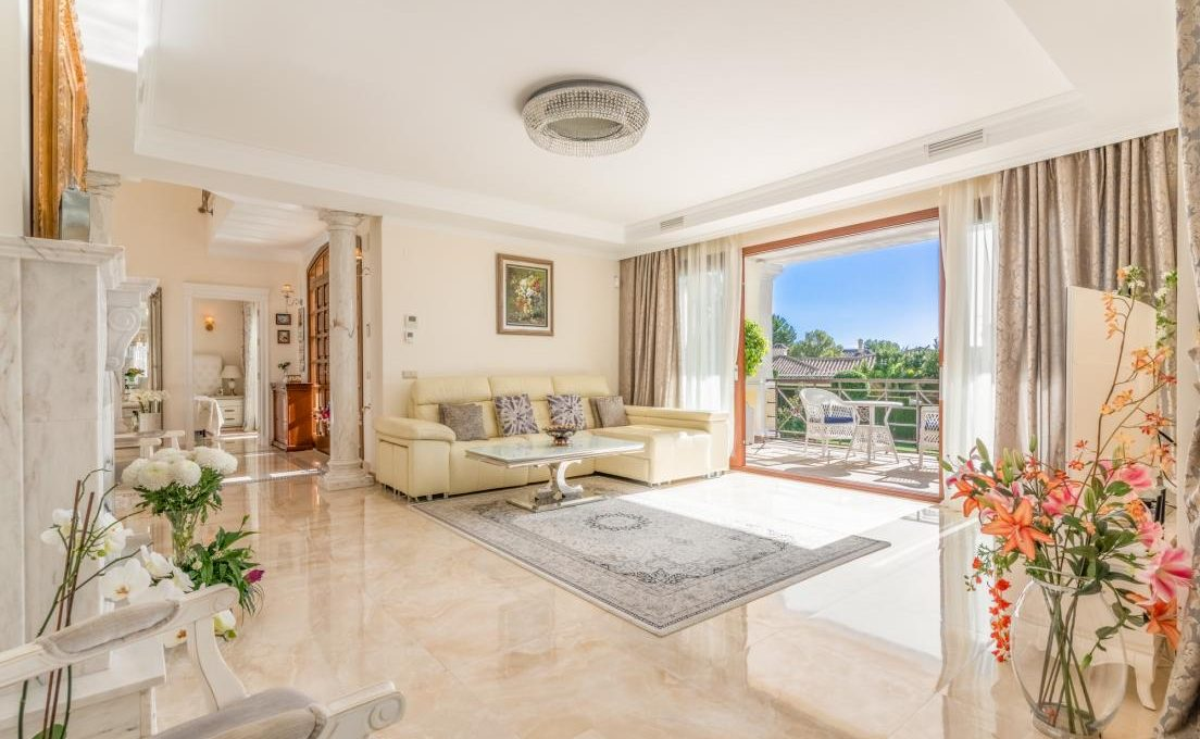 luxury-villa-in-hacienda-las-chapas-marbella-2