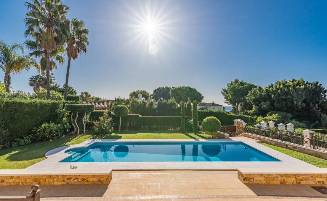 luxury-villa-in-hacienda-las-chapas-marbella-22